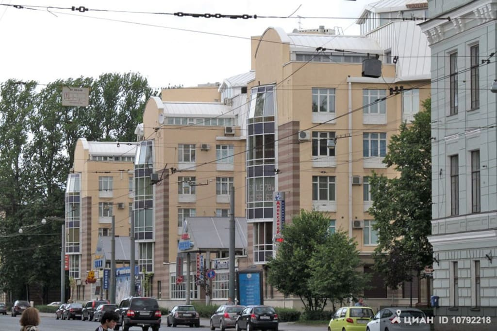 Вид на дом с Боткинской улицы