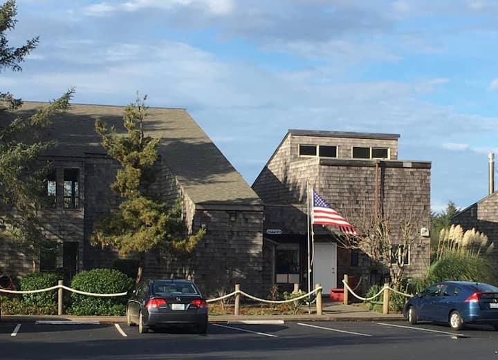 Surfcrest Vacation Condominiums, a VRI  Resort