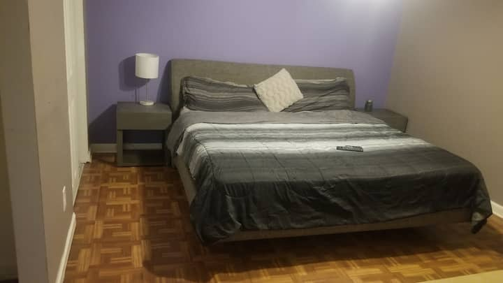 Comfy King bed, Private bath room, internet and TV
