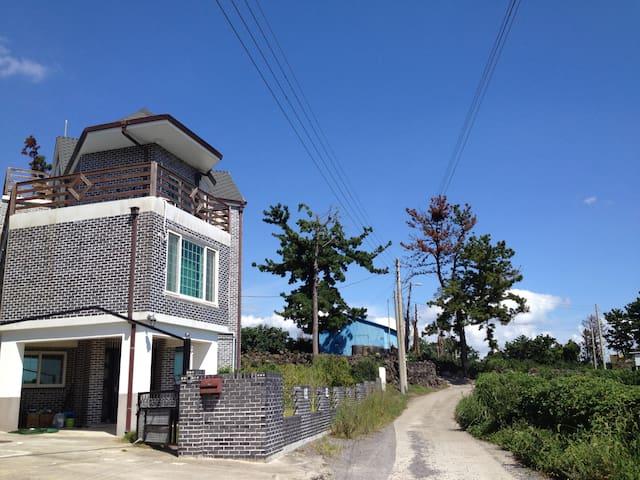 로드둘(2인룸) - 1100-ro49beon-gil, Seogwipo - House