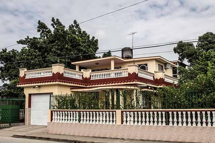 Hostal Villa Divina