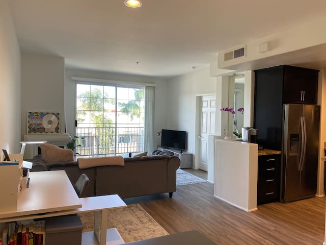 One Bedroom Apartment (LA - Studio City)