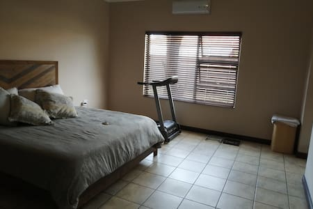 10 Mins walk from mall in quite area