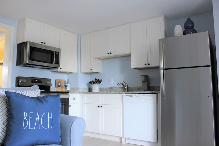 New Listing: Renovated Condo Steps from the Beach!