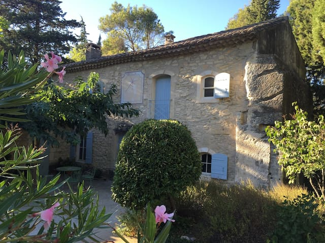 Beautiful Country Farm House, St Remy de Provence