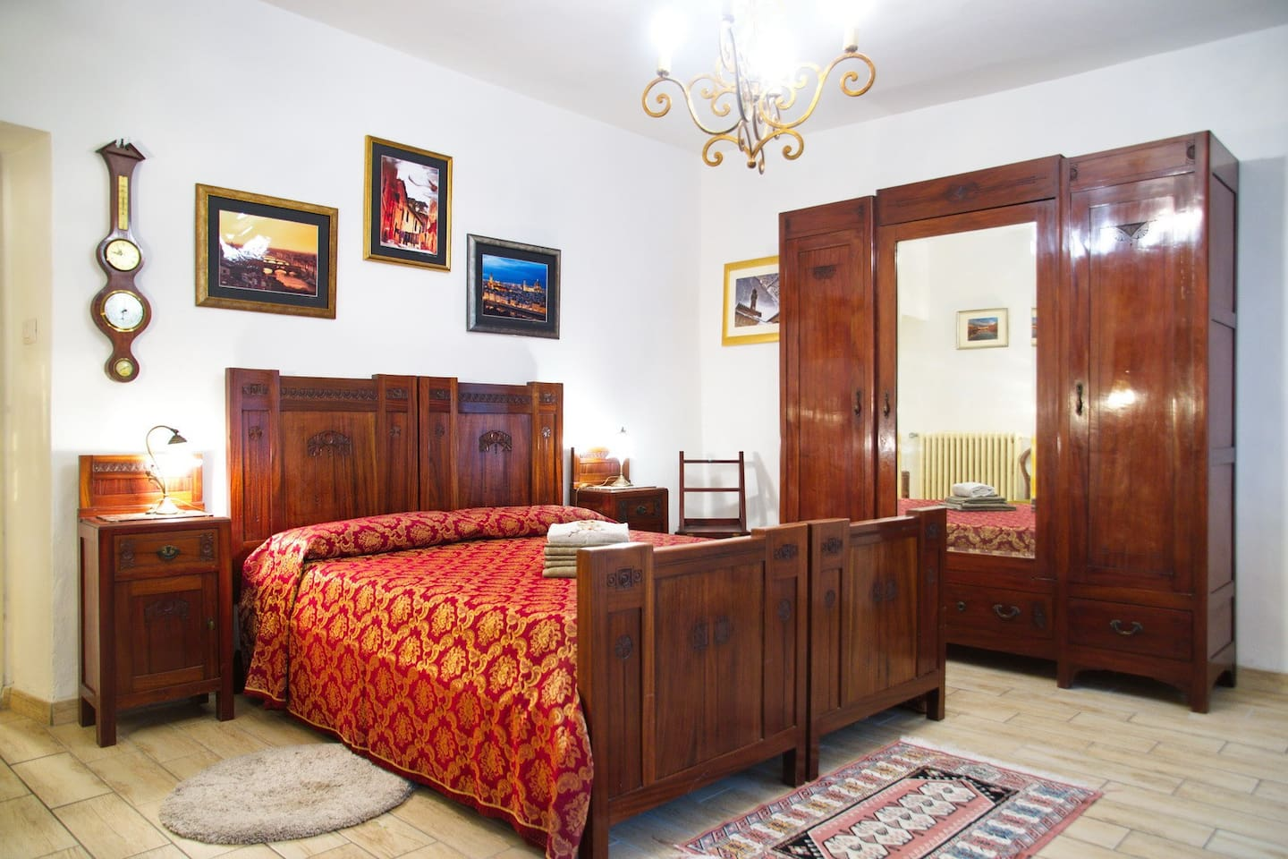 Main bedroom: Art Deco furniture with nice carved decorations, bought by my paternal grandparents  for their wedding in 1921