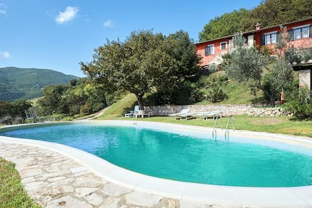 Villa with pool Umbria near Spoleto/Perugia