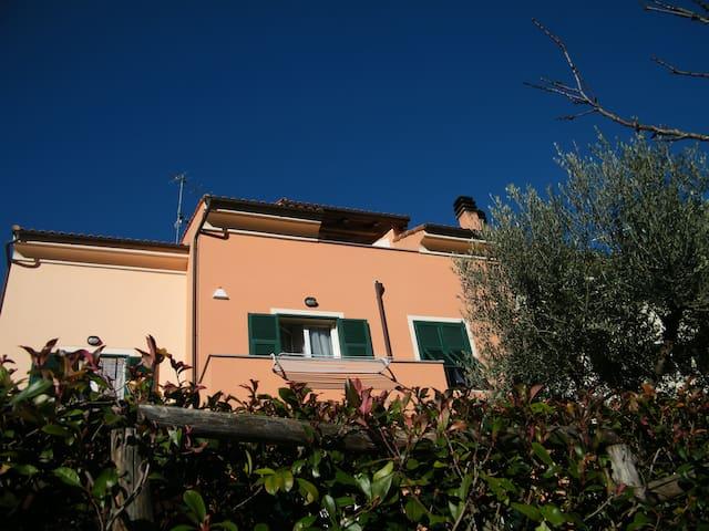 Nuovissimo appartamento in posizione incantevole - Toirano - Flat