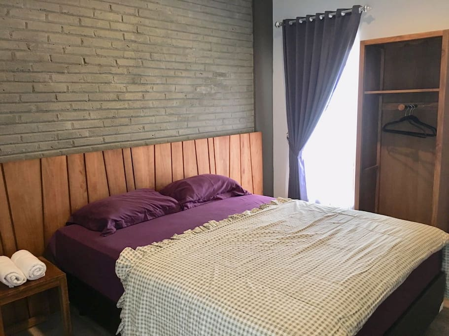 rooms equipped with wardrobe