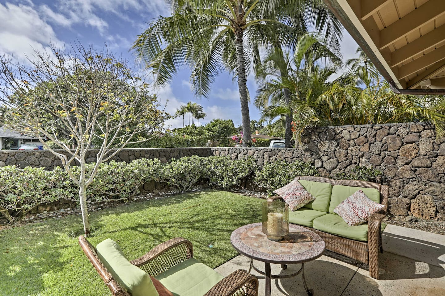 The Hawaiian Islands awaits at this 1-bathroom vacation rental studio in Honolulu!