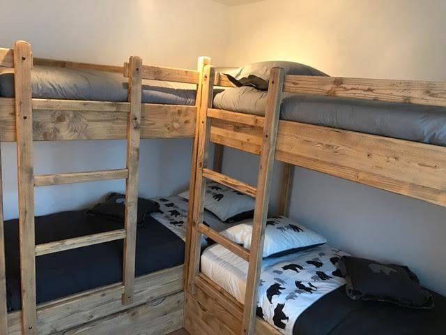 4 lits à étages