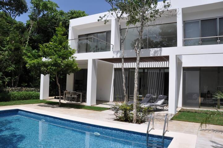 Luxury Villa on golf course