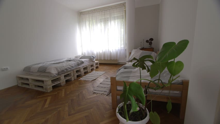 Central bright apartment, newly renovated, 70sqm
