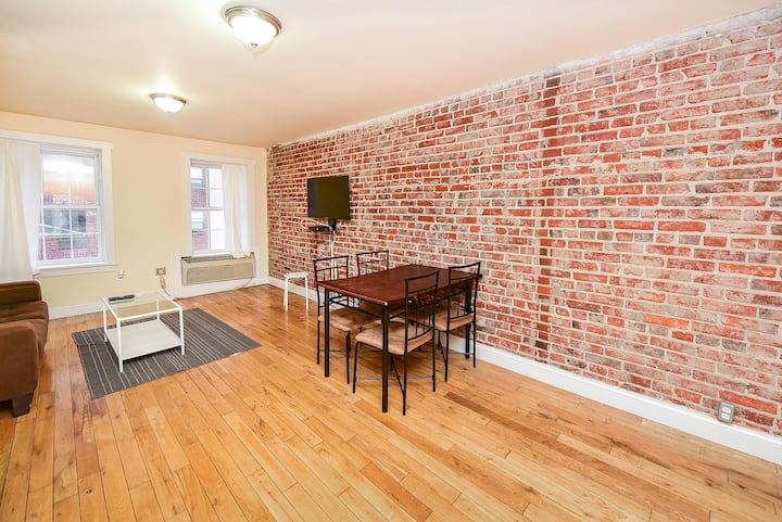 A Sharp two bedroom apt in philly