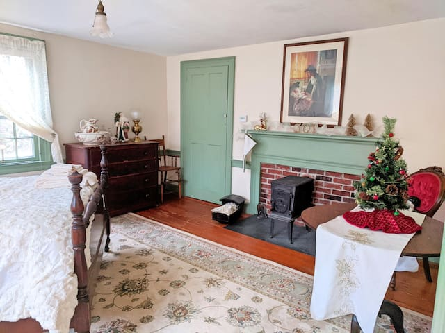 The Parris House, circa 1818 - Guest Room 1
