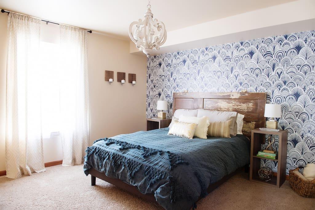 Main Level Bedroom (Queen)