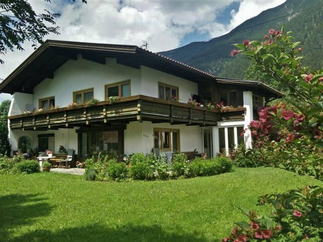 Gästehaus Schaub - Doppelzimmer mit Schlafcouch