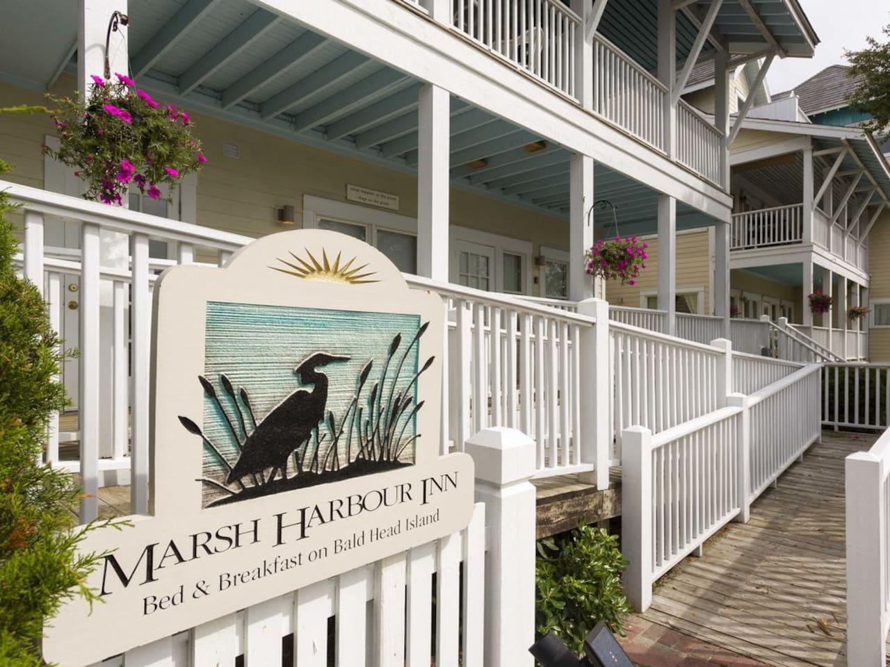 Marsh Harbour Inn - Bald Head
