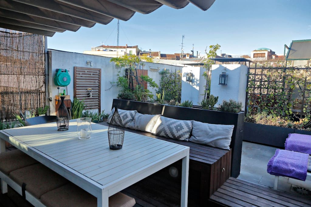 The terrace (35 sqM) is a peaceful retreat in the heart of Madrid, just a block away from the Plaza Mayor and a five minute walk to la Puerta del Sol.