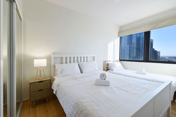 Melbourne CBD - 3 Bedrooms