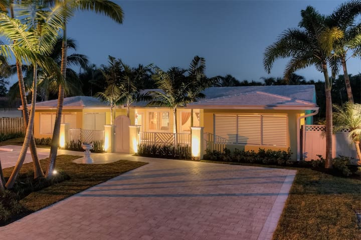 Luxury Villa Less Than 1 Mile to the Beach 2602 - Fort Lauderdale - Villa