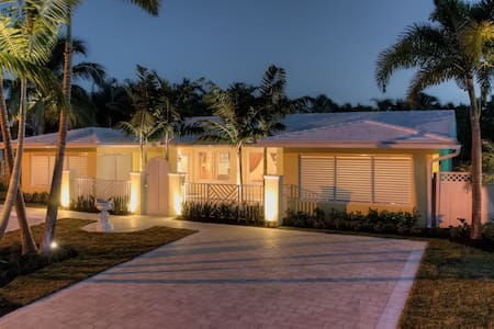 Luxury Villa Less Than 1 Mile to the Beach 2602 - Fort Lauderdale