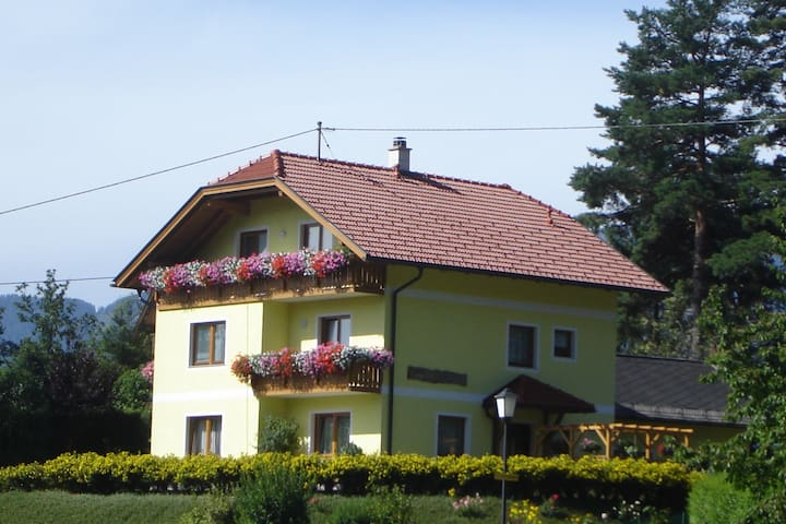 Family Appartment with lake view - Millstatt - Kondominium