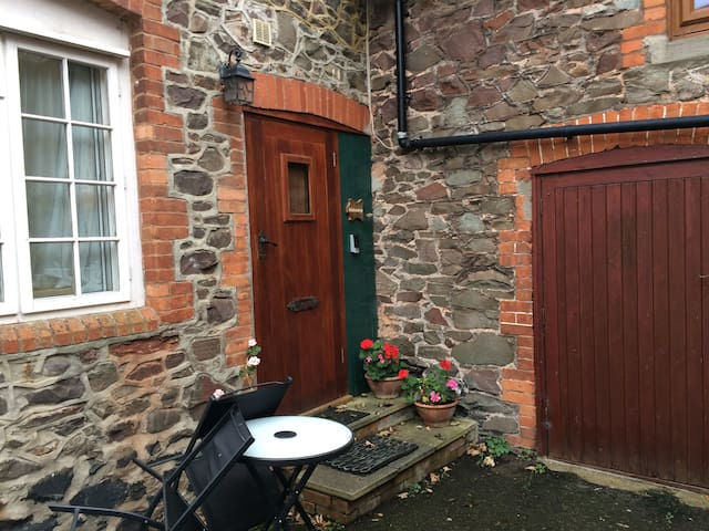 Porlock Hideaway, Exmoor | Sleeps 2 guests