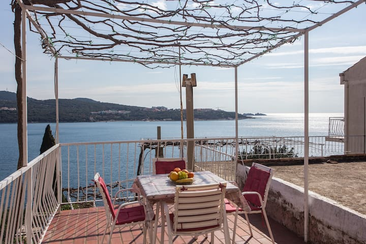 Angelina -Two Bedroom Apartment w/Terrace&Sea View