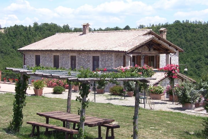 Secluded villa between Orvieto and Fabro