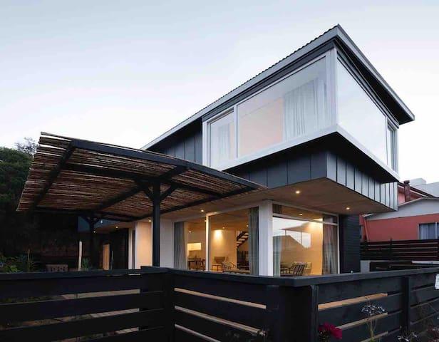 Moderna casa en Pueblo de Zapallar