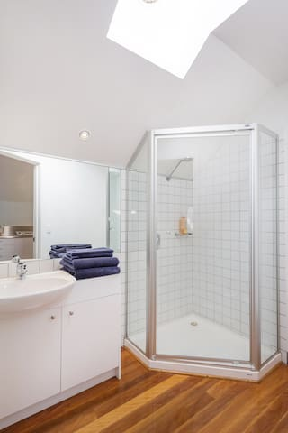 Good sized separate bathroom