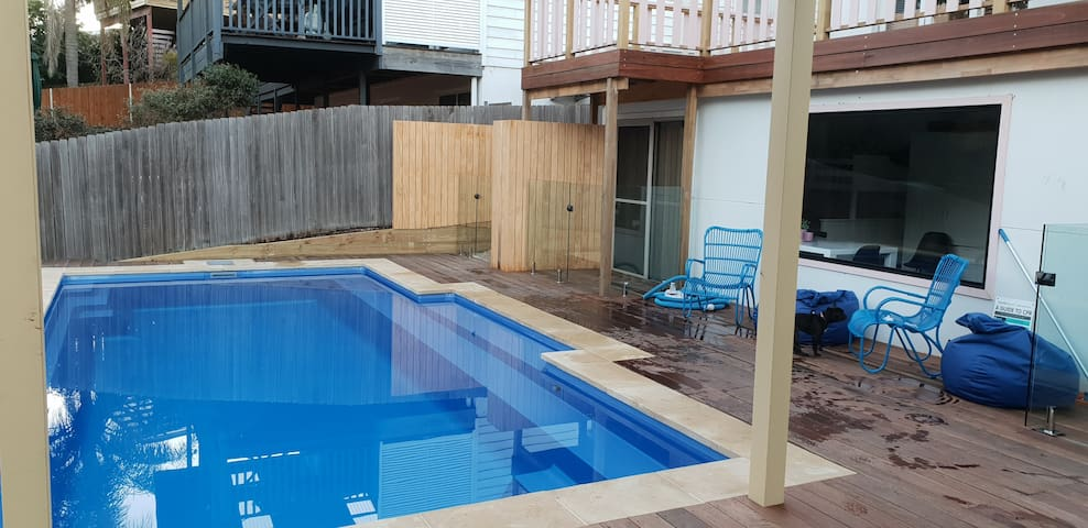 Terrigal with a private pool, kayaks & Bikes avail