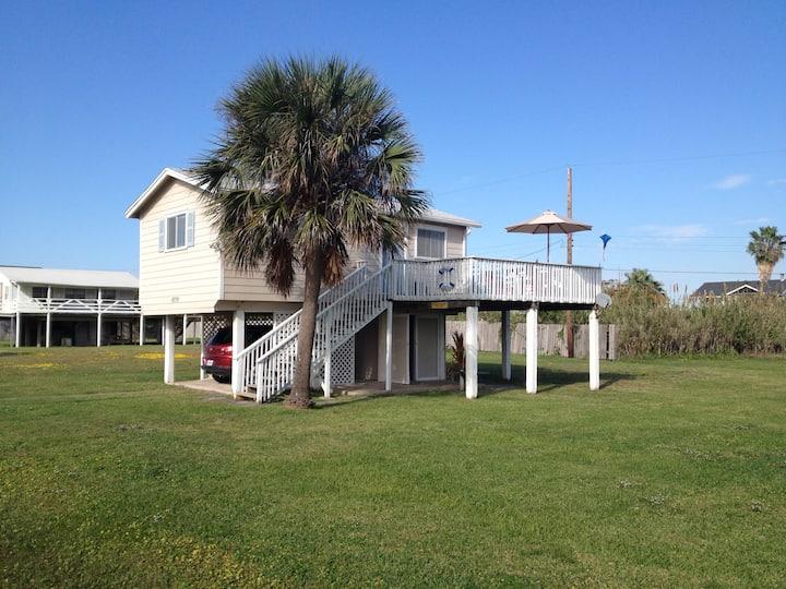 Salty Dog Beach Cottage - Galveston Beach Retreat