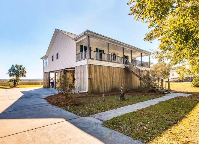 Tidal Creek Home w/Private Dock and Marsh Views!