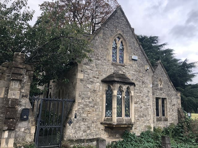 Putney Lodge
