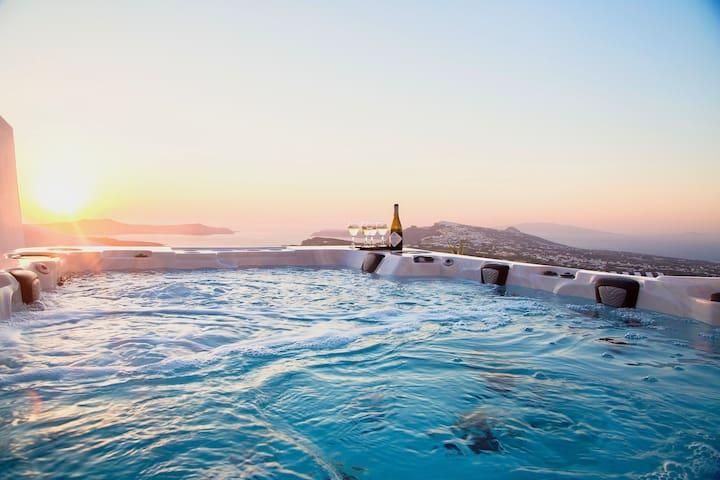 Villa Filon-Santorini, Spectacular Caldera Sunsets