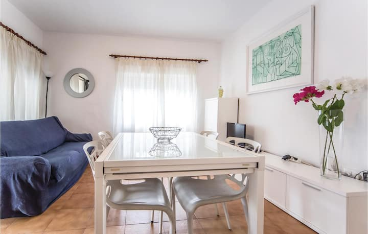 Amazing apartment in Benicasim with 3 Bedrooms