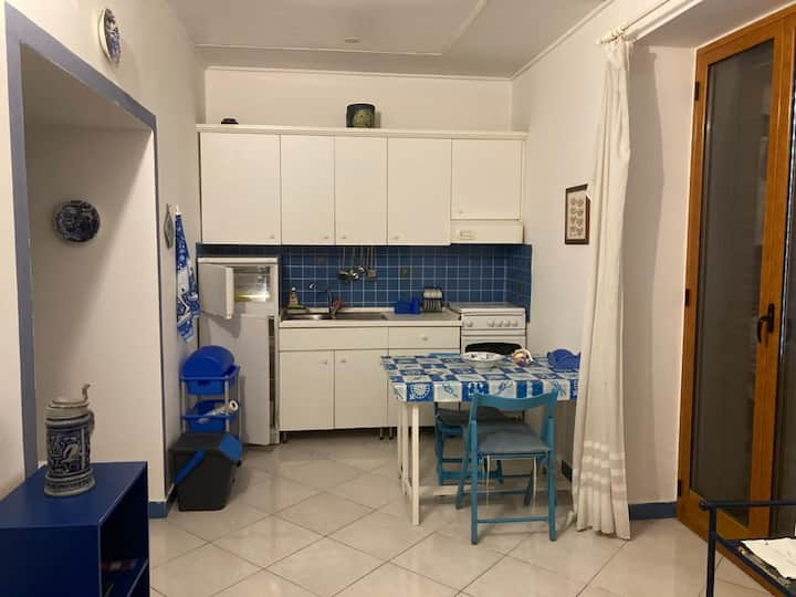 Appartamento con cucina 50 metri dal mare