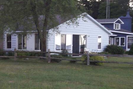 Blue Skies Lakefront Summer Cottage