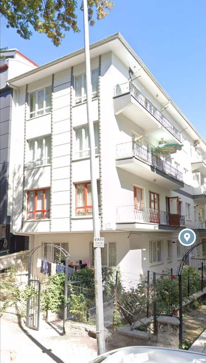 Ucuz ve temiz kiralık oda (Anlayışlı ev sahipleri)
