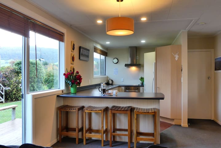 Trout Retreat -Free WIFI - Exclusively Yours - Turangi - Casa