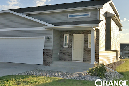 3 bed, 2 bath TOWN HOME in Minot, ND near base
