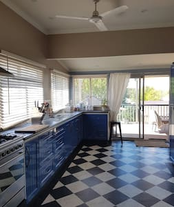 Comet Bay Beach Cottage, Mandurah, Old Halls Head. - Halls Head