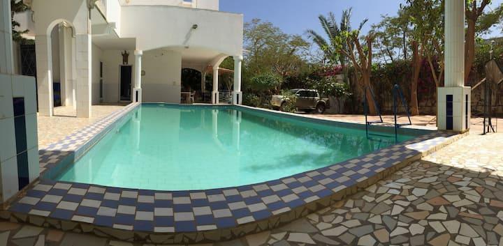 chambes à louer dans villa de luxe à Saly Sénégal