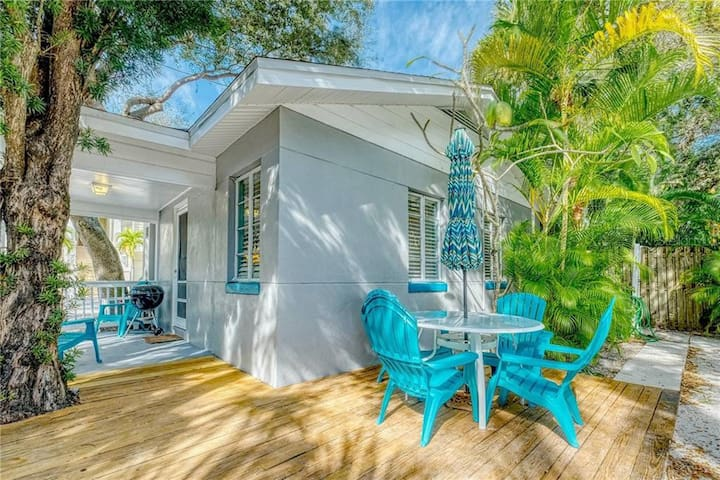 Beach Bungalow on Beach Trail