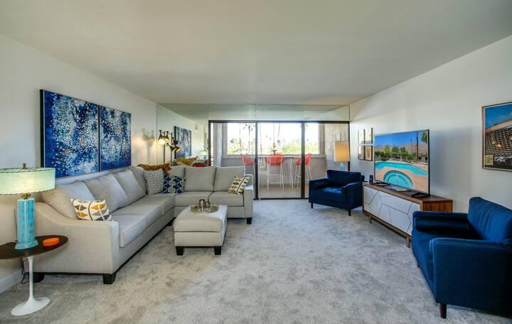 Tastefully-designed, second-floor condo w/ shared pool, spa, & tennis