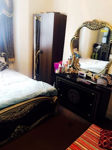 King Size Room in Kensal Green  (Females Only )