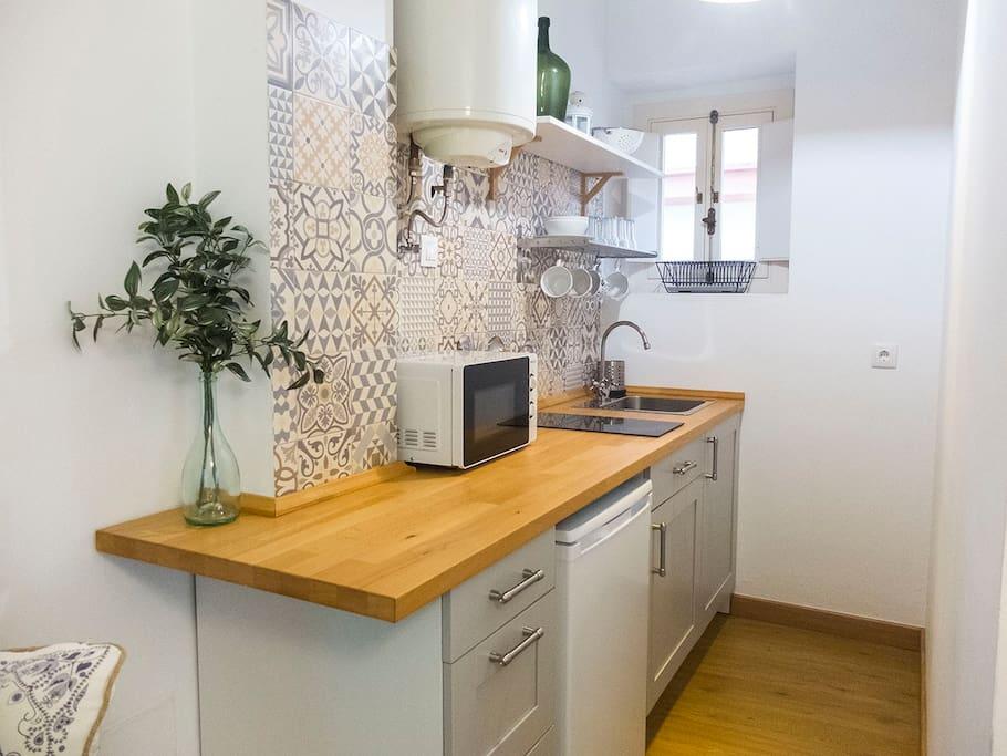 Esta es la cocina donde encontrarás todo lo necesario para sentirte como en casa!