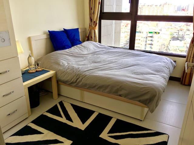 New Deco! Private Room! 全新大樓! - Tainan - Appartement